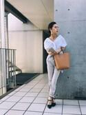 黒石奈央子さんの「LEATHER  SMARTPHONE  CASE(Ameri アメリヴィンテージ)」を使ったコーディネート