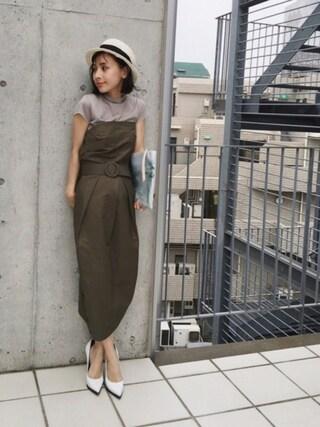 黒石奈央子さんの「BIG BUCKLE TUCK DRESS(Ameri|アメリヴィンテージ)」を使ったコーディネート