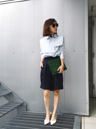 黒石奈央子さんの「CAPE DOCKING SHIRT(Ameri|アメリヴィンテージ)」を使ったコーディネート