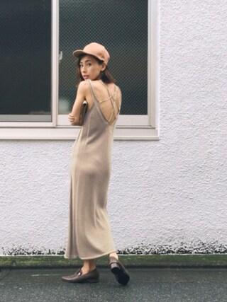黒石奈央子さんの「BACK STRING KNIT DRESS(Ameri|アメリヴィンテージ)」を使ったコーディネート