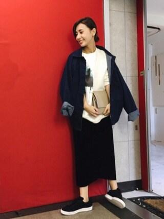 黒石奈央子さんの「CLAIRE UNISEX SWEAT TOPS(AMERI|アメリヴィンテージ)」を使ったコーディネート
