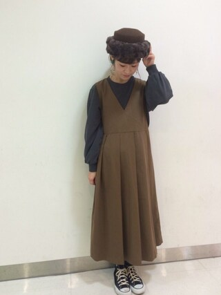 工藤春佳さんの「KBF BIGプリーツジャンパースカート(KBF|ケイビーエフ)」を使ったコーディネート