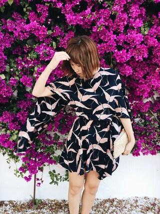 紗栄子さんの「Valentino Bird Print Silk Cape Sheath Dress(Valentino|ヴァレンティノ)」を使ったコーディネート