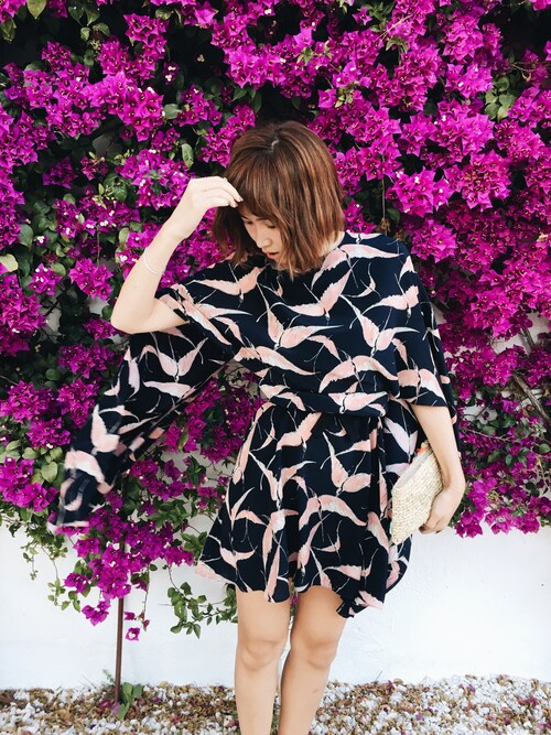 「Valentino Bird Print Silk Cape Sheath Dress(Valentino)」 using this 紗栄子 looks