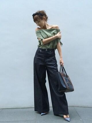 紗栄子さんの「裾絞りオフショルTOPS(CECIL McBEE|セシルマクビー)」を使ったコーディネート