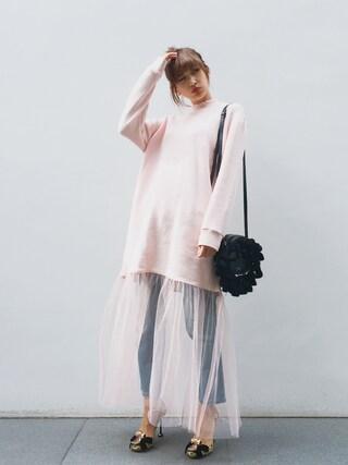 紗栄子さんの「ボーイズライクデニムパンツ(snidel|スナイデル)」を使ったコーディネート