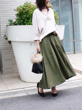 MODEROBE | MODEROBE.OFFICIALさんのスカート「 イレギュラーヘム マキシフレアスカート」を使ったコーディネート