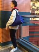 MAKEARTYOURZOOさんの「バスケットトート Mサイズ Animal Camo (Blue/Navy)(MAKE ART YOUR ZOO|メイク・アート・ユア・ズー)」を使ったコーディネート