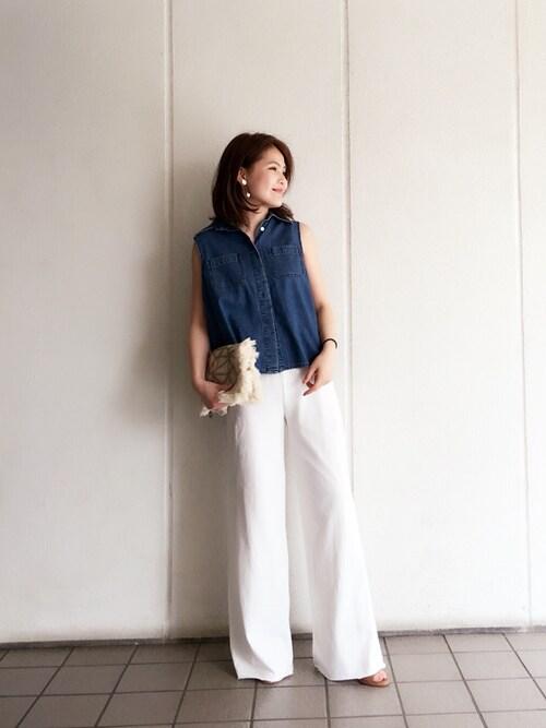 MOMOKO KOIKEさんの「プリーツデニムシャツ(TODAYFUL)」を使ったコーディネート