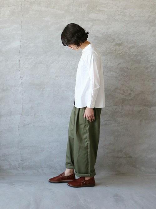 ambience-saoriさんの「ina コットンちび衿シャツ(ina)」を使ったコーディネート