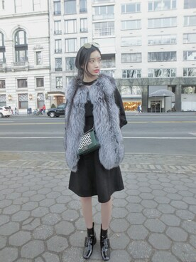 「Miu Miu Buckled Patent-Leather Ankle Boots(miu miu)」 using this KY Wong looks
