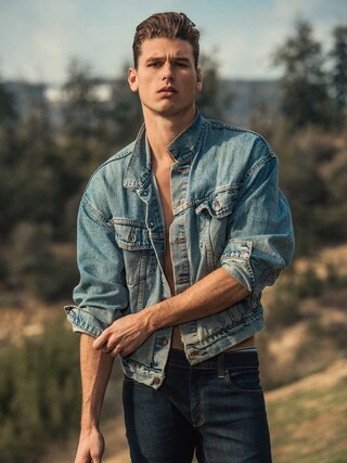(Levi's) using this Tom Broekhuijse looks