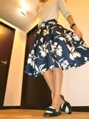 yoshimiさんの「ビッグフラワープリントスカート(RANDA|ランダ)」を使ったコーディネート