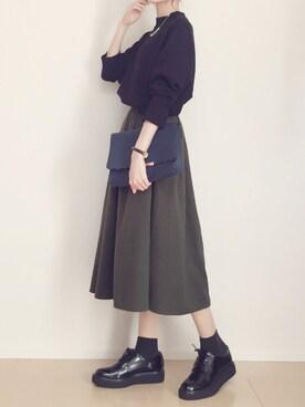MAYUKOさんの「品のあるボリュームで視線を奪うシルエットに![ウール/レザー]タックミディアムフレアスカート/ミモレ丈/ひざ丈/神戸レタス[M1713](KOBE LETTUCE|KOBE LETTUCE)」を使ったコーディネート