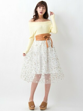 INGNI STOREさんの「【春の新作】チュール刺繍ミディスカート(INGNI|イング)」を使ったコーディネート