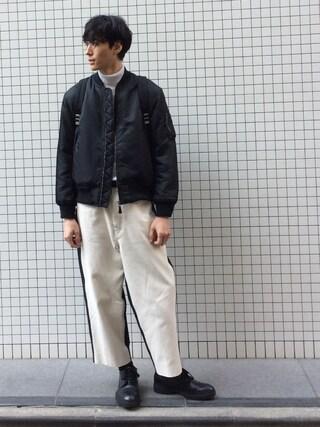 賀津 塔さんの「デュアルウォームハイネックカットソー(UNITED TOKYO ユナイテッドトウキョウ)」を使ったコーディネート