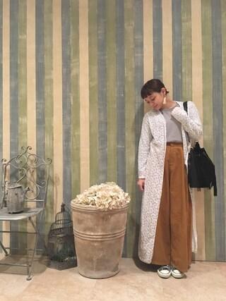 荒井愛花さんの「【mystic】スエードフリンジ巾着ショルダー(mystic|ミスティック)」を使ったコーディネート