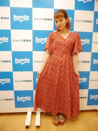 荒井愛花さんの「オリジナルフラワーフレア袖ワンピース(jouetie|ジュエティ)」を使ったコーディネート