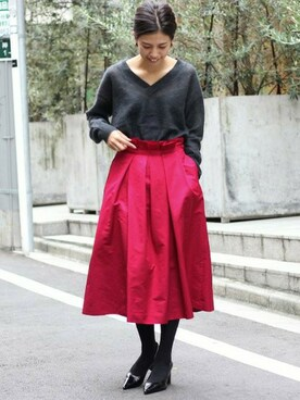 「IENA LA BOUCLE Noir Vネック プルオーバー◆(IENA LA BOUCLE)」 using this IENA 本社|sono looks