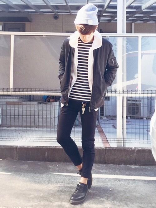 差し色,メンズ,ファッション,靴下,スニーカー,マフラー,画像