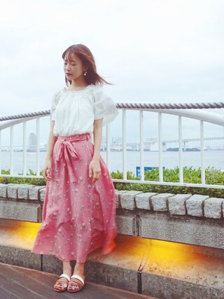 西川 瑞希さんの「タイニーローズロングスカート(snidel|スナイデル)」を使ったコーディネート