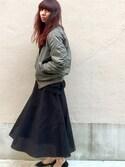大田由香梨さんの「フェイクスエードフレアスカート(LE CIEL BLEU|ルシェルブルー)」を使ったコーディネート