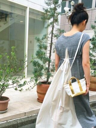 猪股聖子さんの「SWEAT V-NECK DRESS(コンビ/ワンピース/ドレス/スウェット)(MILKFED. ミルクフェド)」を使ったコーディネート