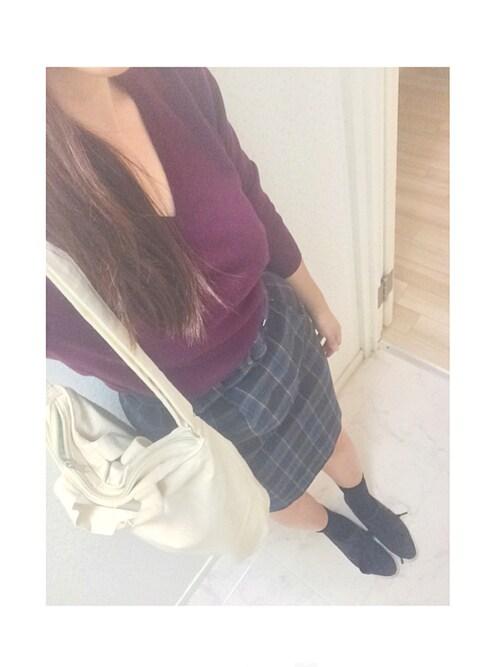 im ⋈さんの「WOMEN エクストラファインメリノVネックセーター(長袖)(ユニクロ)」を使ったコーディネート