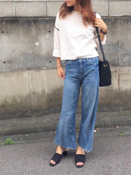 搭配zara牛仔裤的时尚穿搭总览(发型:中短发,季节:夏)图片