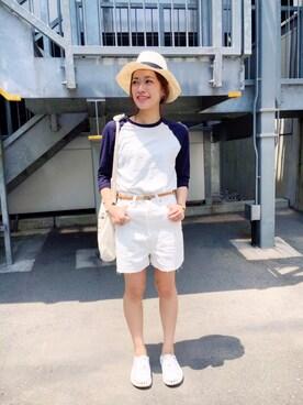 caroさんの「HIGH WAIST WHITE DENIM SHORT PANTS ハイウエストホワイトデニムショートパンツ(HOLIDAY|ホリデイ)」を使ったコーディネート