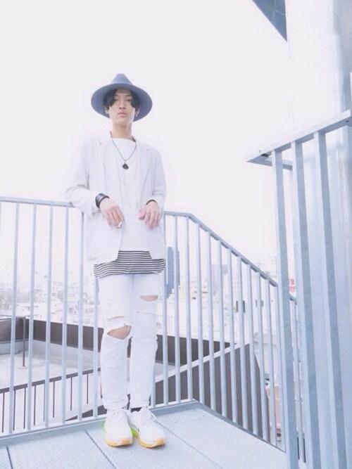 白スニーカーの着こなし【メンズ・コーディネート】