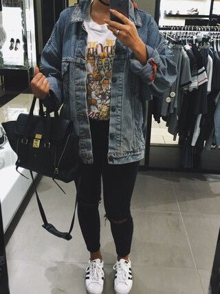 「ASOS Ridley Skinny Jeans in Clean Black with Ripped Knees(Asos)」 using this Lauren Marie looks