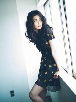 林田岬優さんの「Polo Ralph Lauren Floral-Print Silk Dress(Polo Ralph Lauren|ポロラルフローレン)」を使ったコーディネート