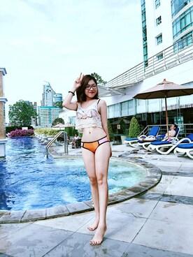 (H&M) using this Thái Hà looks