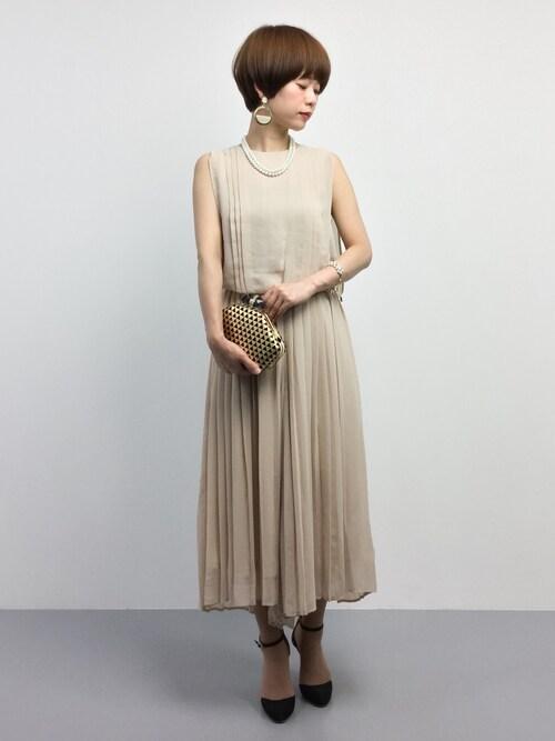 ミモレ丈プリーツスカートノースリーブドレス参考コーディネート画像