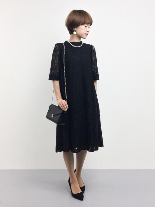 黒のシースルードレス参考コーディネート画像