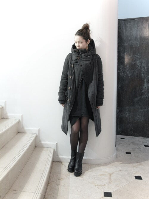 S/STEREFLAGSHIPSTOREKYOTOさんの「MONKS HOOD MODS COAT(SISTERE)」を使ったコーディネート