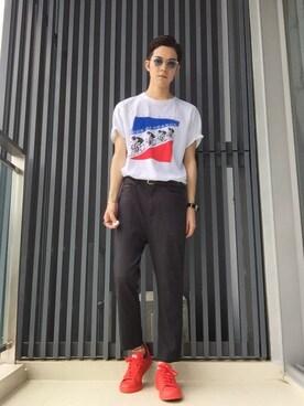 (adidas) using this UiCHI looks
