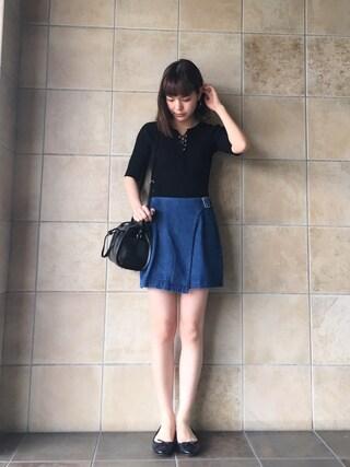 長澤メイさんの「ベルトラップスカート(snidel|スナイデル)」を使ったコーディネート