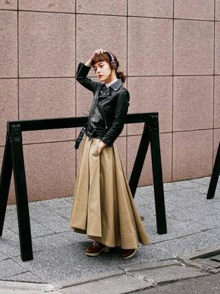 長澤メイさんの「TOGA PULLA キルト木靴(TOGA PULLA|トーガ プルラ)」を使ったコーディネート