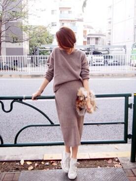 AZUSA  TAKAZONOさんの「【Lady like】Vネックショートニット(Ungrid)」を使ったコーディネート