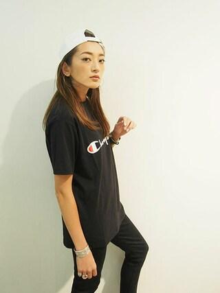 AZUSA  TAKAZONOさんの「【Ca】Champion別注ロゴTシャツ(Champion チャンピオン)」を使ったコーディネート