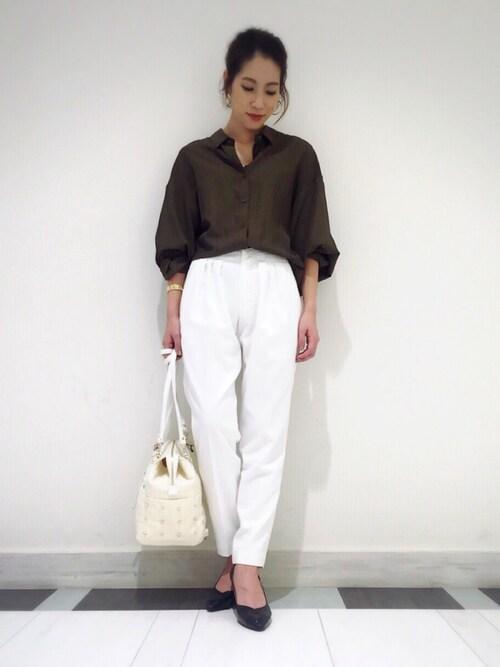 Andemiu アミュプラザおおいた店|kana__andemiuさんのシャツ/ブラウス「【BAILAコラボアイテム!】エリヌキトロミドルマンシャツ 722153(Andemiu|アンデミュウ)」を使ったコーディネート