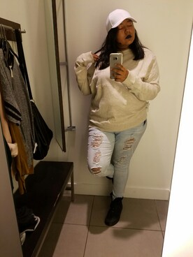 (H&M) using this Ty Andrews looks