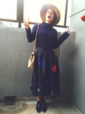 スザンヌさんの「<スザンヌさんコラボ>ラブ&ピースプロジェクト ガーター編みハイネックニットトップス(haco!|ハコ)」を使ったコーディネート