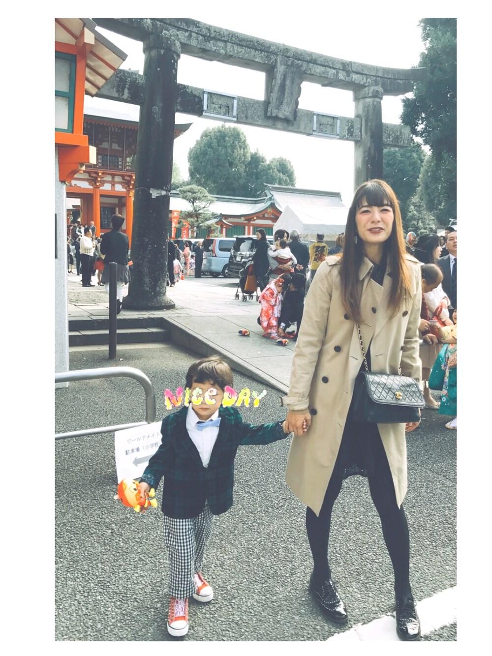 神社 お参り 5歳男の子 母親スーツ
