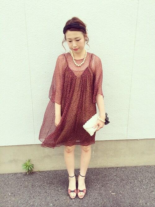 シースルーデザインの七分袖ドレスの参考コーディネート画像