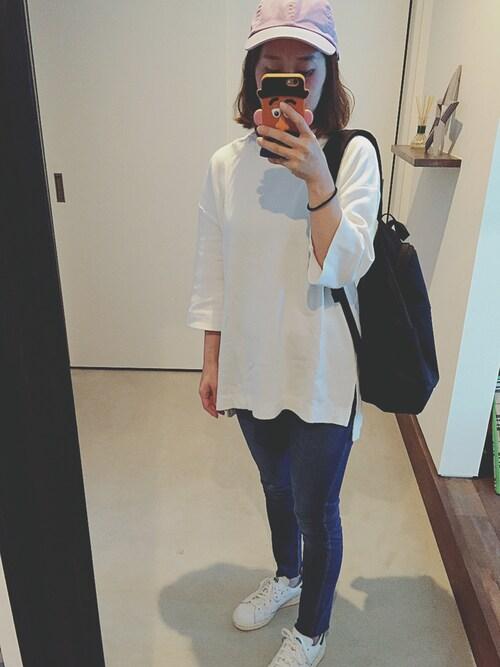 スキニージーンズ+チュニックTシャツ