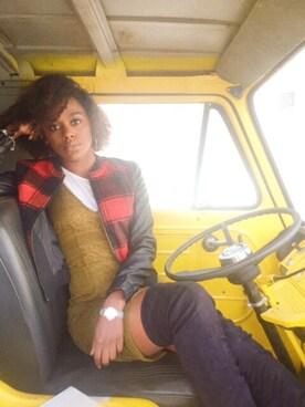 (H&M) using this Jasmine Byrd looks