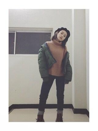 高橋愛さんの「ショートボリュームダウンジャケット(MURUA ムルーア)」を使ったコーディネート